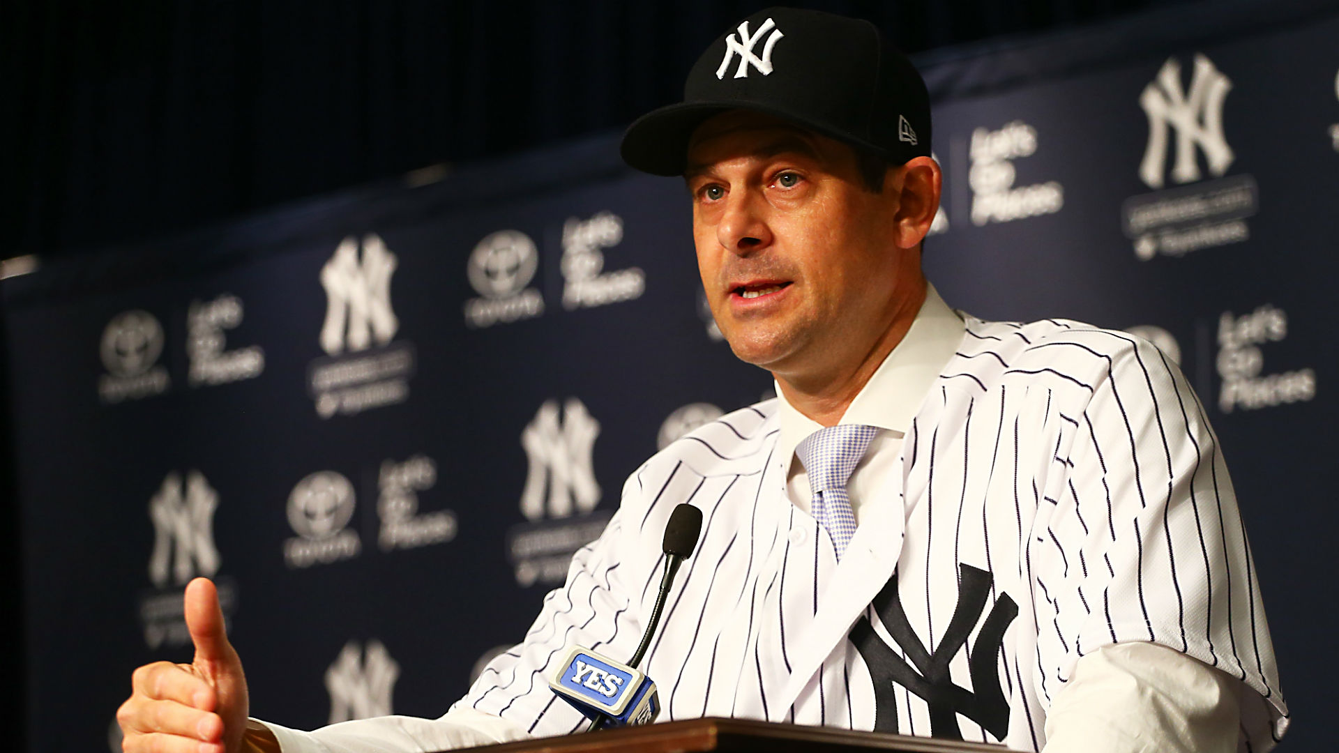 Yankees' Aaron Boone takes medical leave of absence to have pacemaker installed