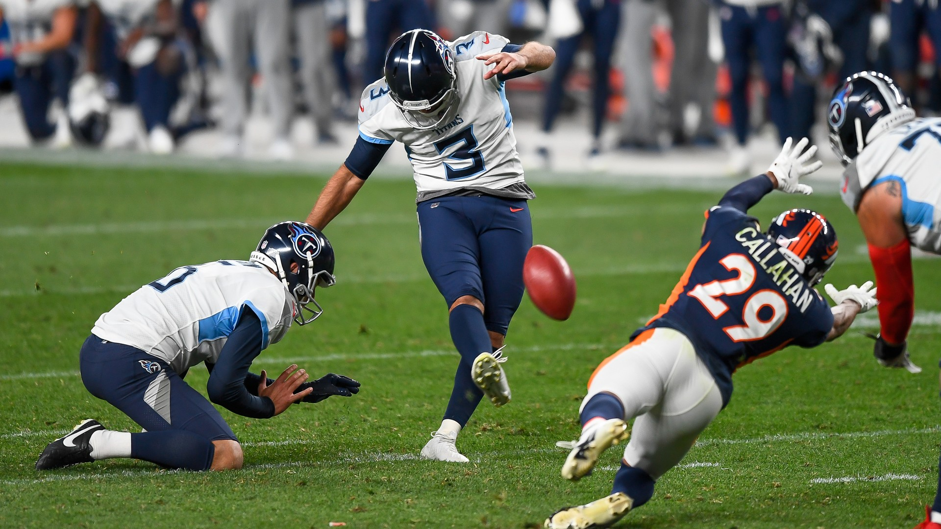 Titans' search for a reliable kicker might not be over after Stephen Gostkowski's debut 1