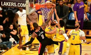 Damian-Lillard-dunk-013120-Getty-FTR.jpg