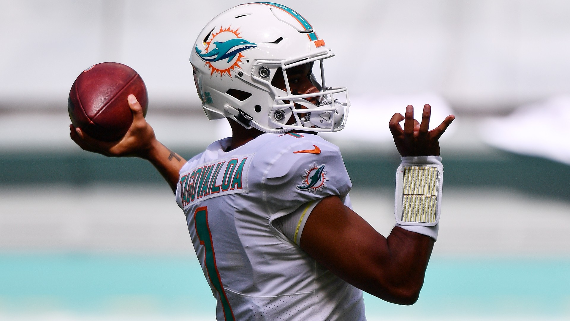 Breaking down Tua Tagovailoa's NFL starting debut: Dolphins rookie takes it easy vs. Rams for first win