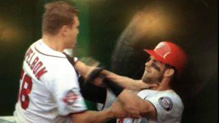 Papelbon-Harper-FTR-MLB.jpg