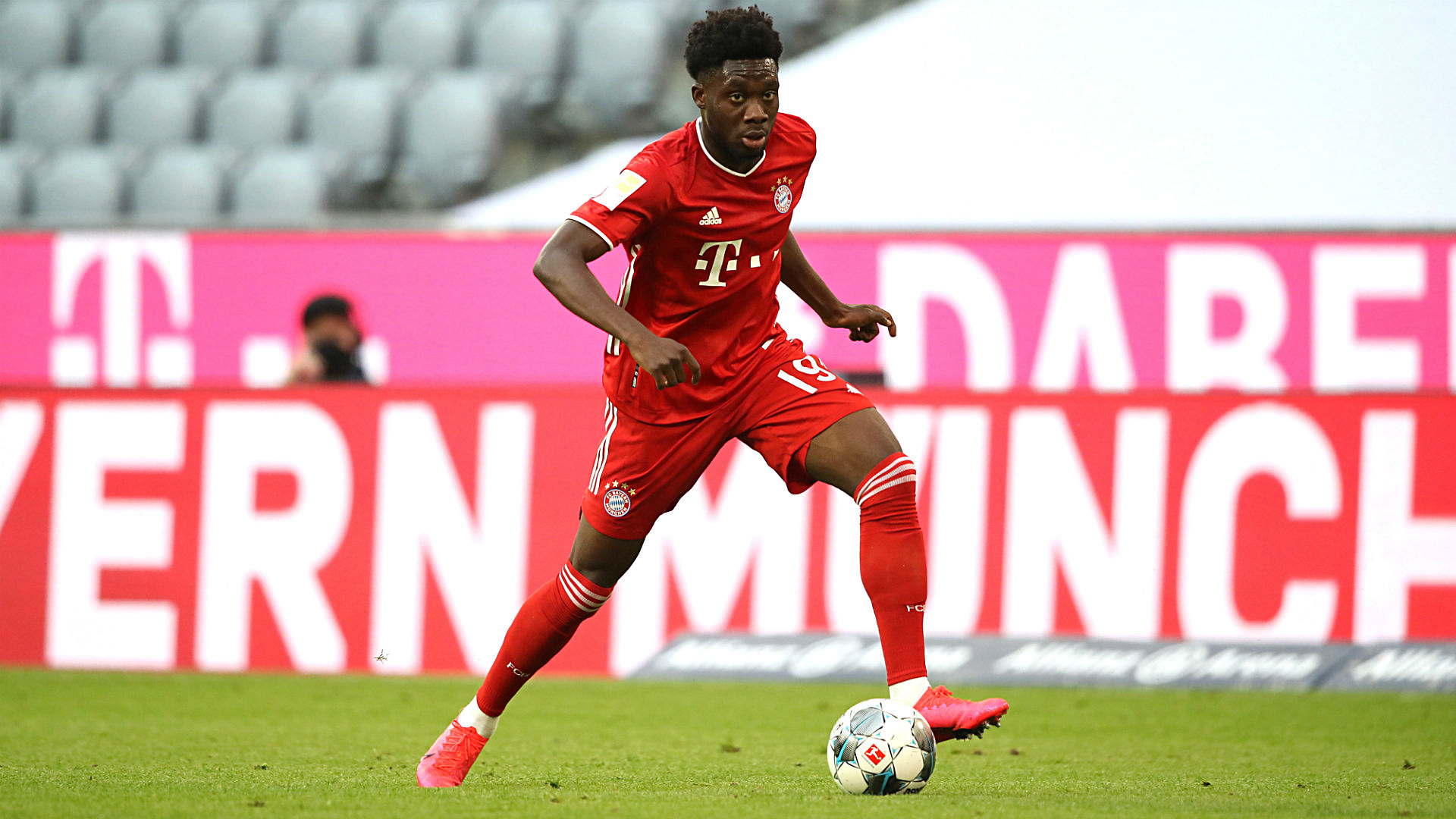 Alphonso Davies breaks Bundesliga speed record, adds league title to meteoric rise with Bayern Munich 1
