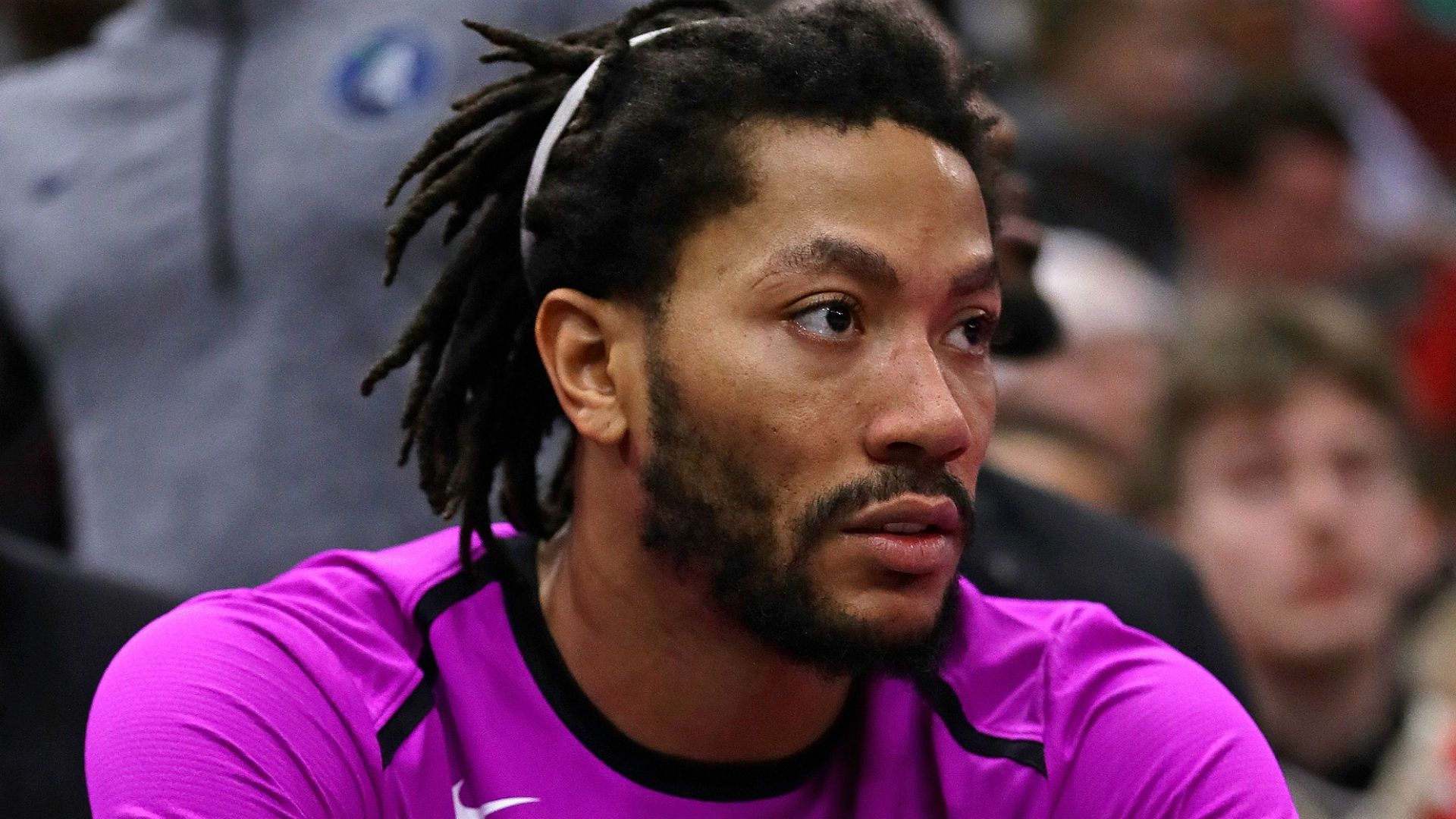 New video shows Derrick Rose fighting back tears after Bulls