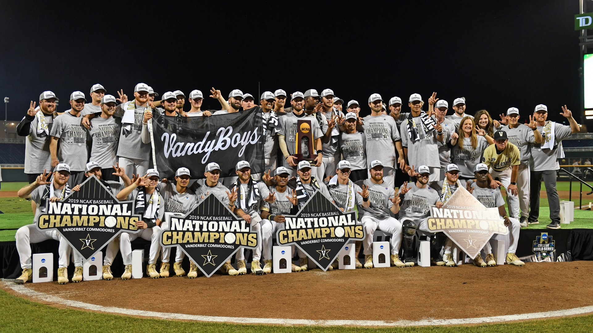 College World Series format, which is about 2021 CWS to find out how many games, parentheses games and more