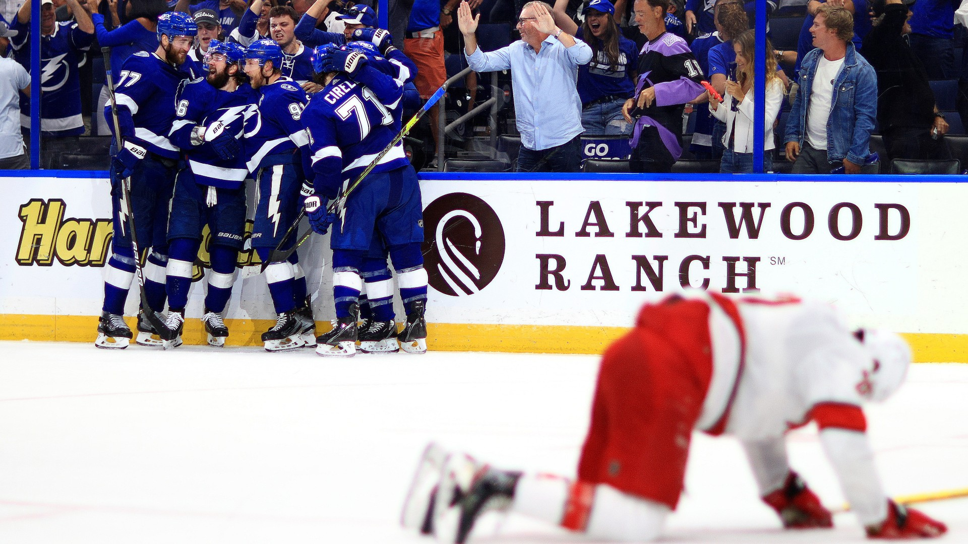 Lightning, Hurricanes combine for eight goal period: 'Damn circus out there'