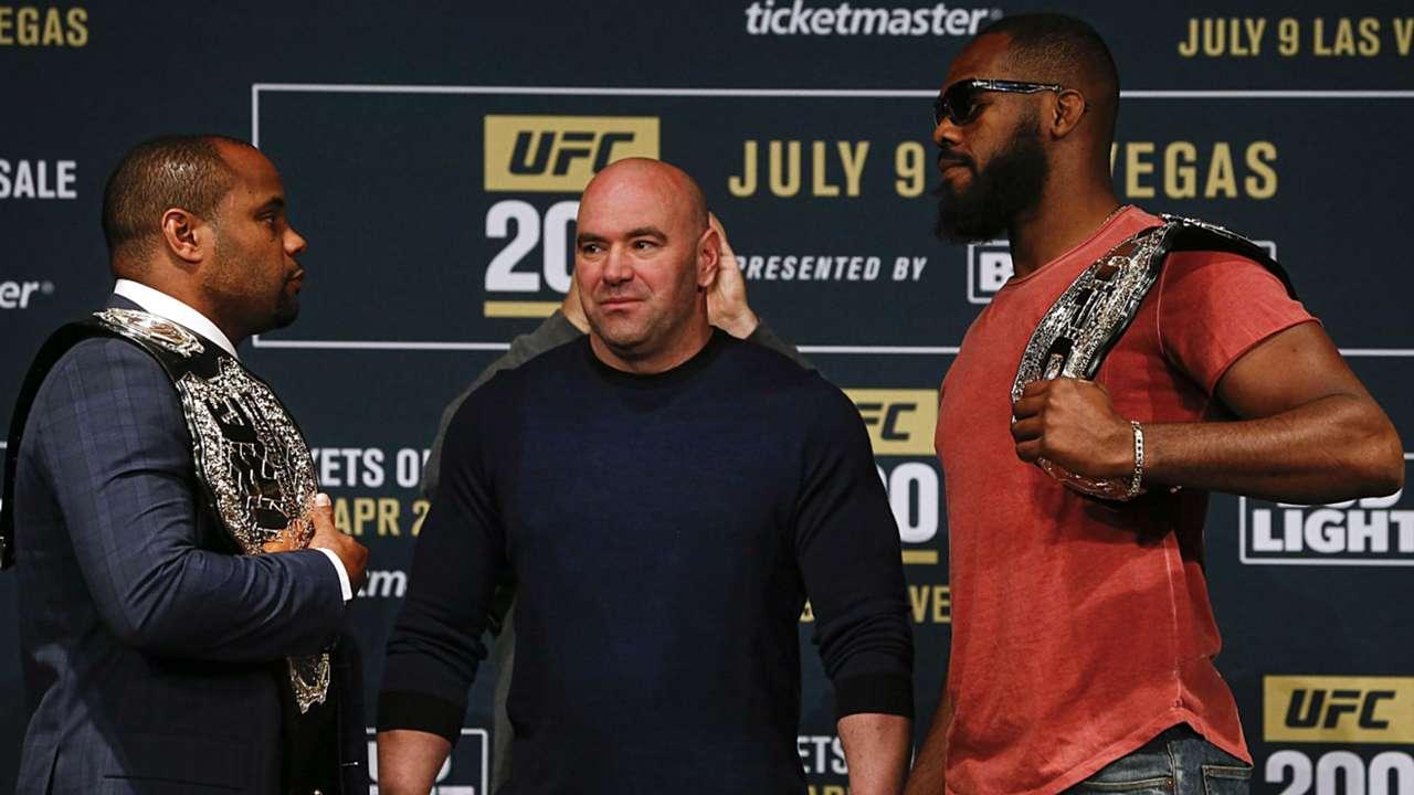 Cormier-Jones-UFC-050117-Getty-FTR.jpg