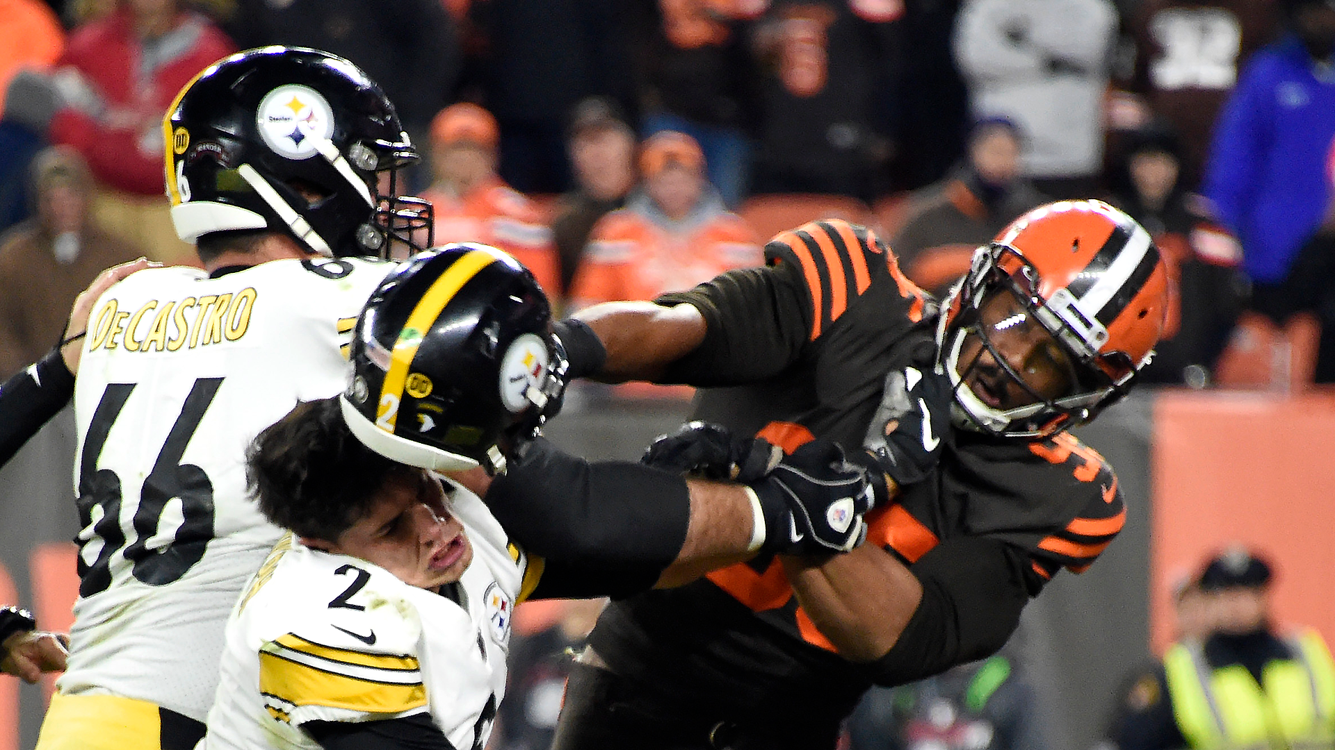 Myles Garrett Suspended Indefinitely Won T Face Legal Action For Hit On Mason Rudolph Sporting News