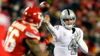 Derek-Carr-101717-Getty-FTR.jpg