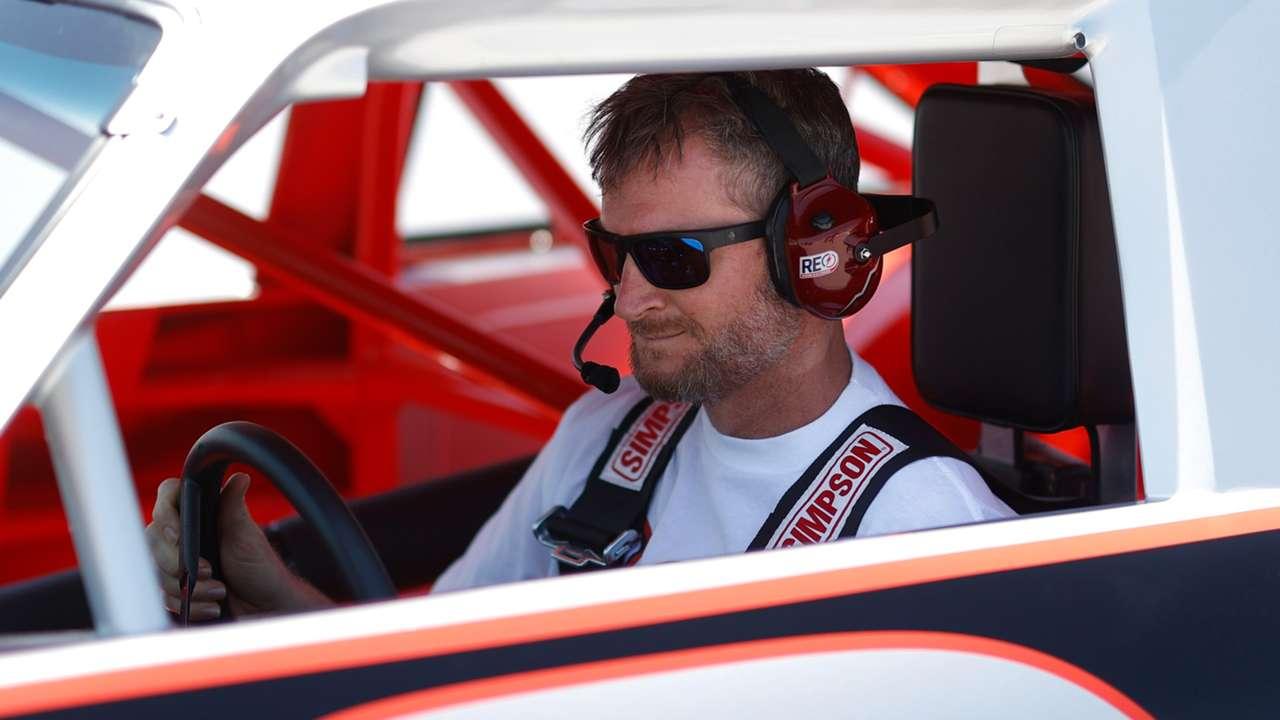 Dale-Earnhardt-Jr-091021-Getty-FTR