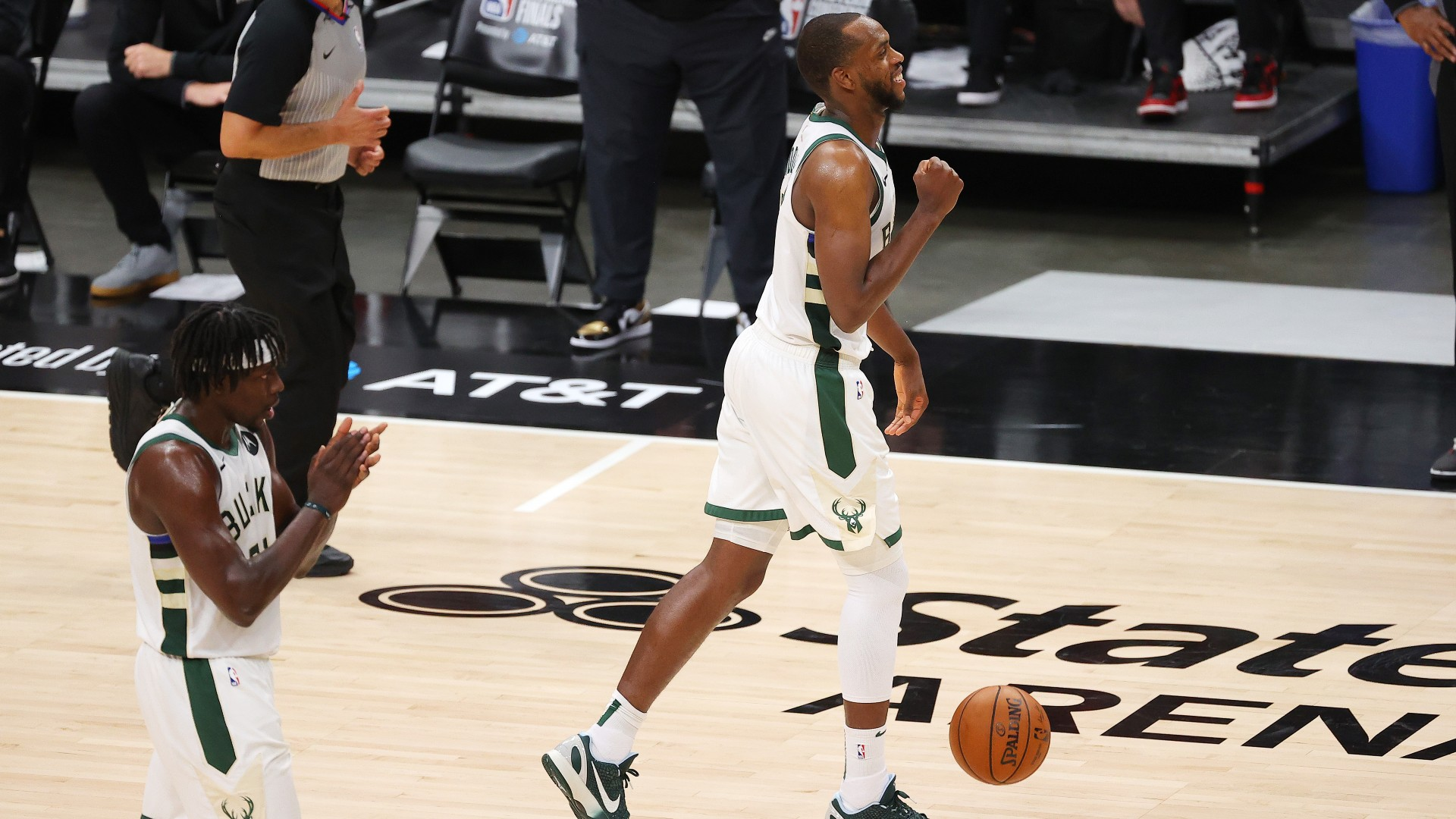 With or without Giannis Antetokounmpo, Khris Middleton has established himself as the Bucks' closer.