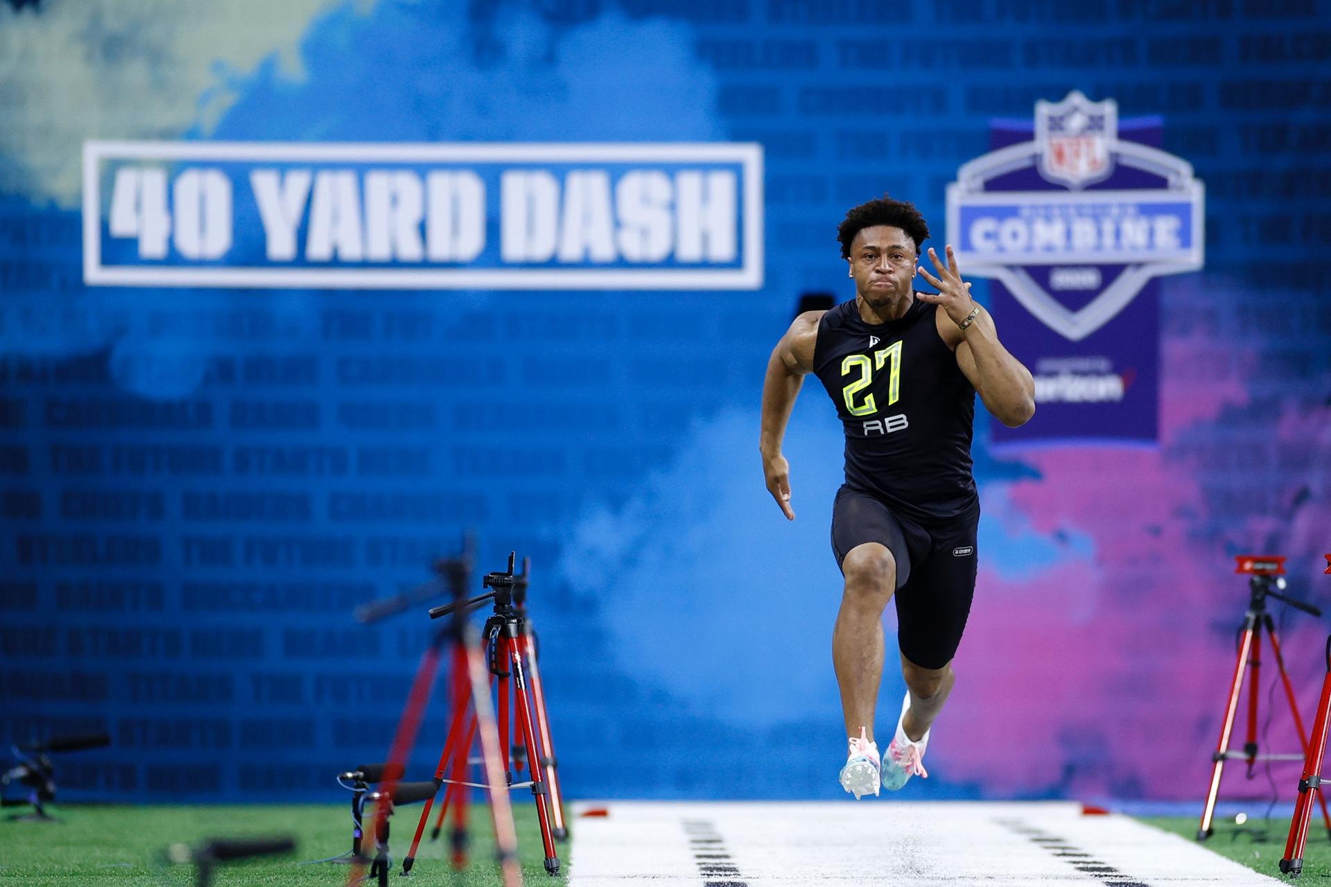 NFL Combine: Jonathan Taylor de Wisconsin muestra por qué es material de primera ronda 4