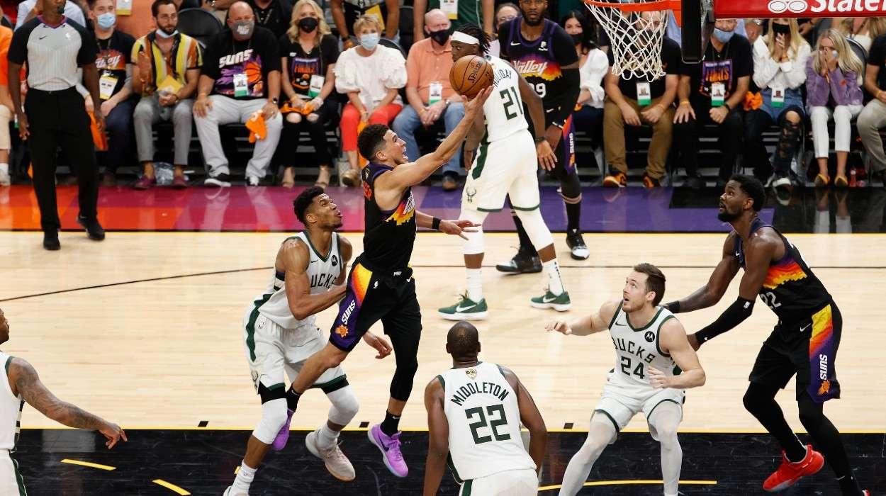 Devin Booker Phoenix Suns Giannis Antetokounmpo Milwaukee Bucks