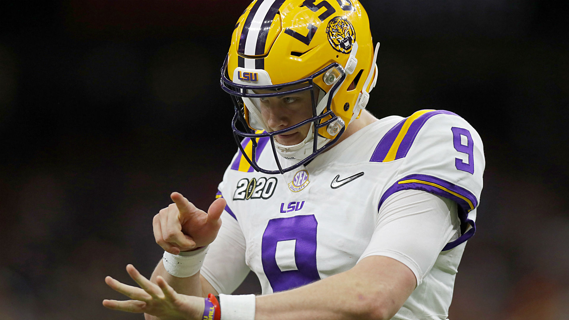 No, Joe Burrow's hand size won't keep him away from Bengals in 2020 NFL Draft