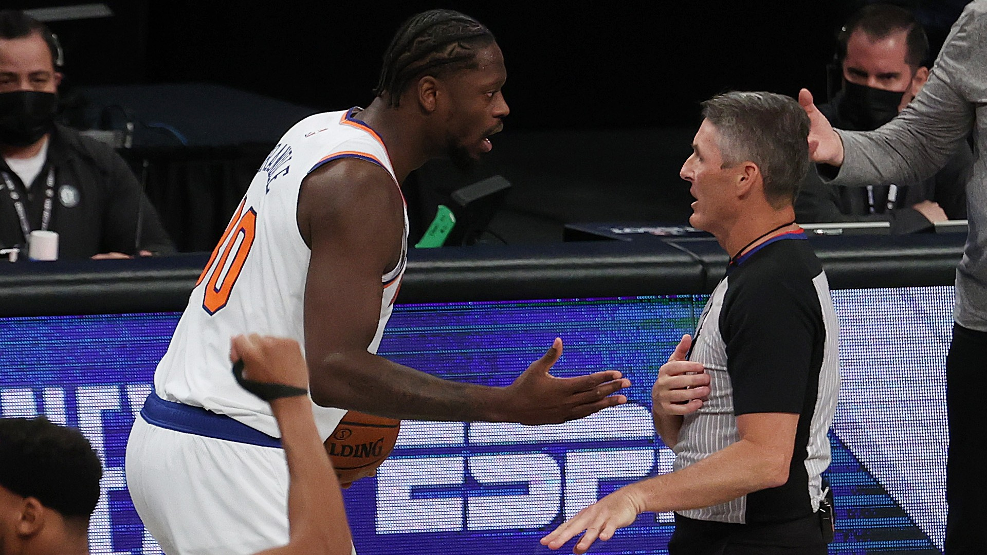 Did Julius Randle travel? Knicks star leaves court fuming after controversial call in loss to Nets