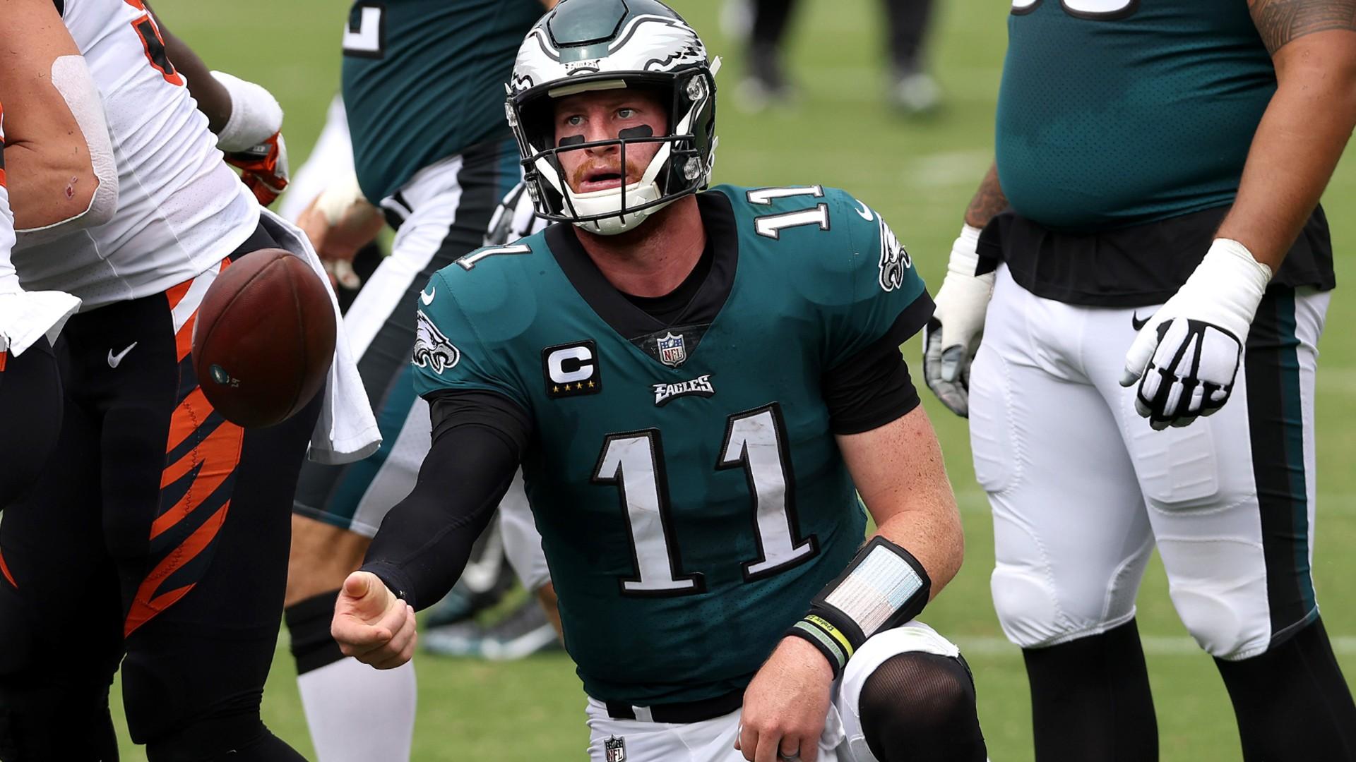 Should The Eagles Bench Carson Wentz Jalen Hurts Nick Foles Add Intrigue To Philadelphia S Qb Question