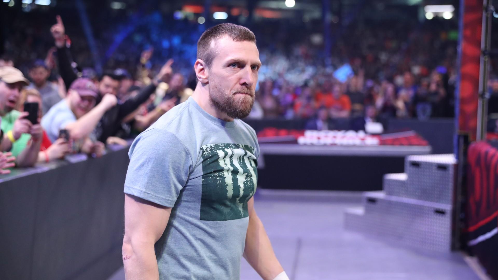 Daniel Bryan ez dago ziur Roman Reigns-Edge feudean gehitzea ideia bikaina denik, edo bere azken WrestleMania den ala ez