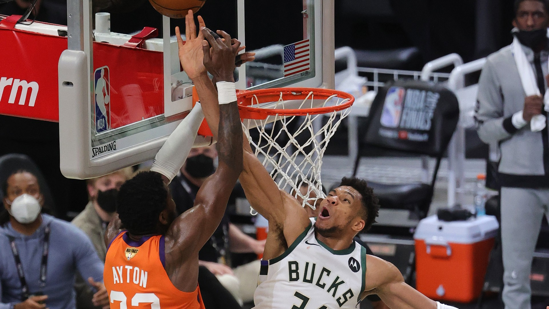 Twitter Reacts To Giannis Antetokounmpo S Block Of Deandre Ayton In Game 4 Of Bucks Suns Nba Finals Sporting News Canada