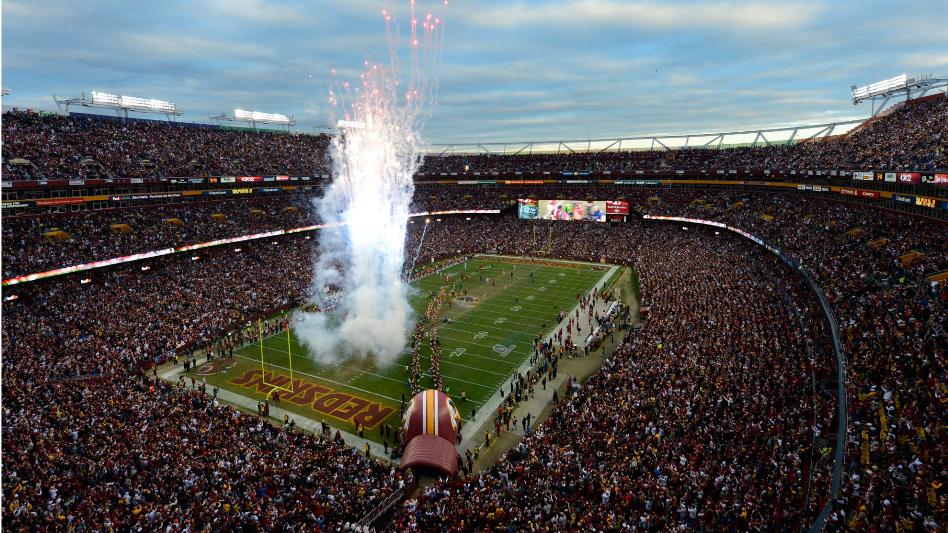 Redskins asked by sponsor to change name; investors petition companies to abandon Washington 1
