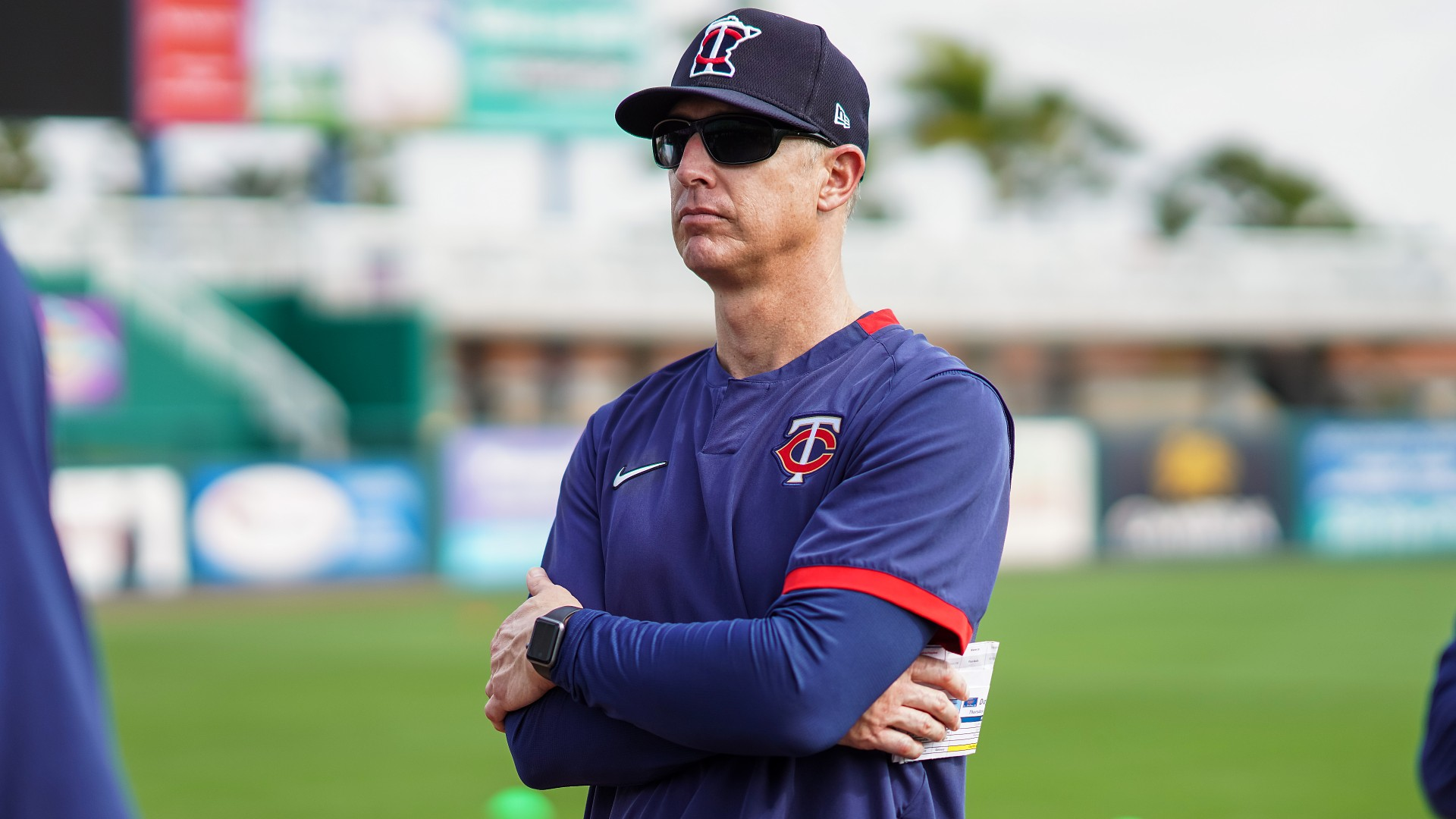 Twin Bank coach Mike Bell died at the age of 46 after a battle with cancer;  the baseball world has mourning