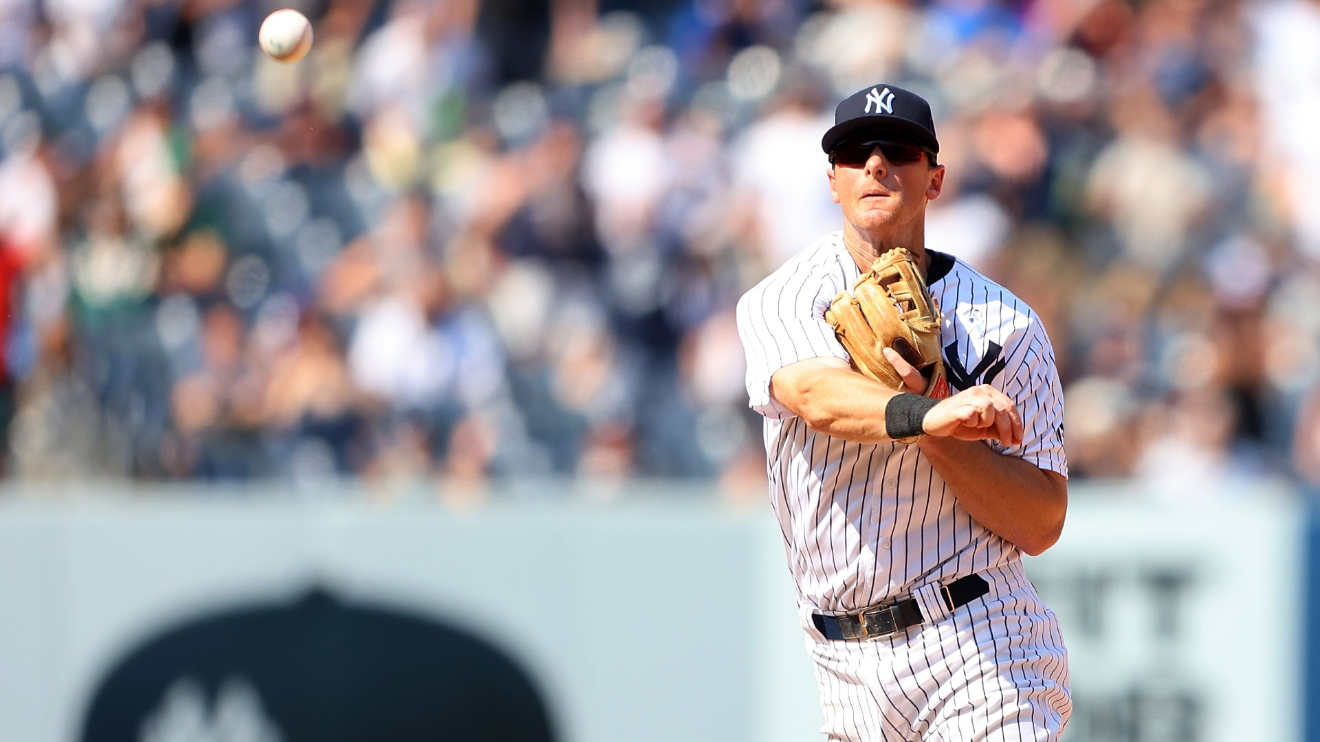 Yankees secure victory against Athletics with another triple play, tie MLB record