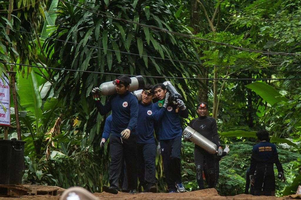 洞窟に閉じ込められた少年達の救助