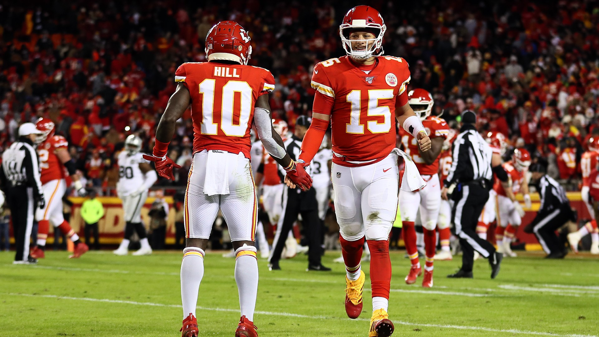 Tyreek Hill, Patrick Mahomes respond after Scotty Miller claims he could beat Chiefs WR in race