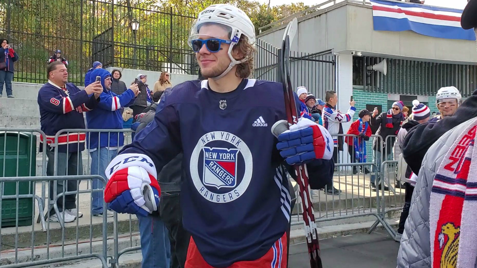 New York Rangers stay loose with outdoor practice in Central Park