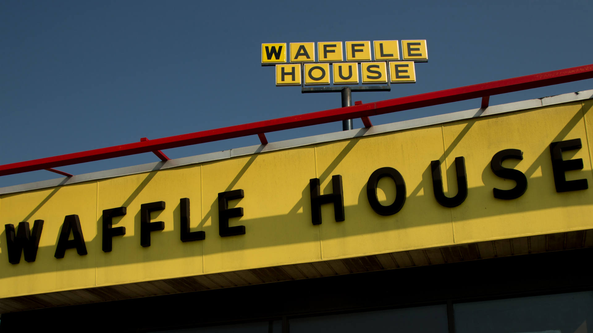 Journalist pays for fantasy football failure with Waffle House marathon, ends up going viral