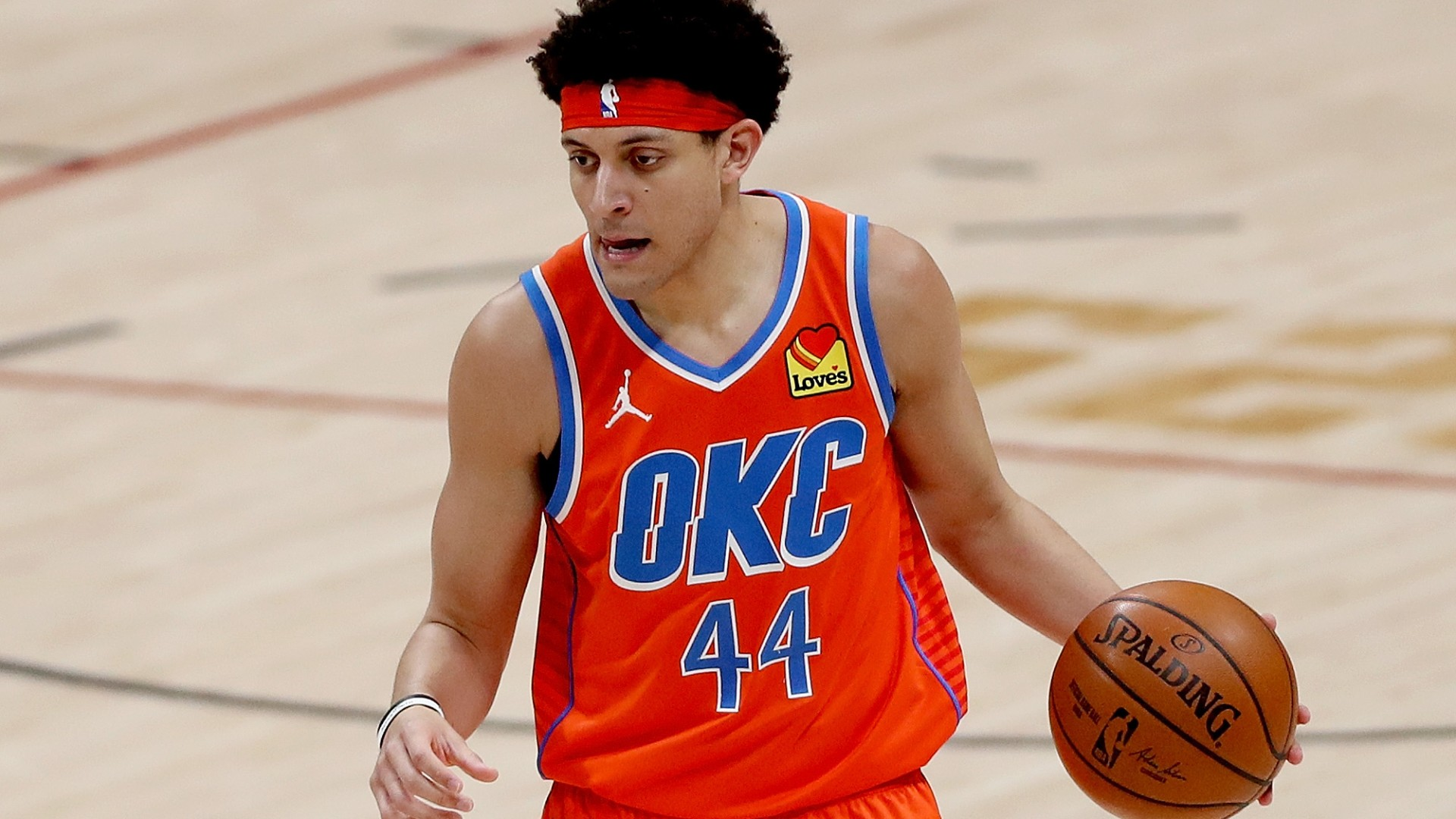 Thunder forced to change uniforms at halftime after ugly color clash with Hawks