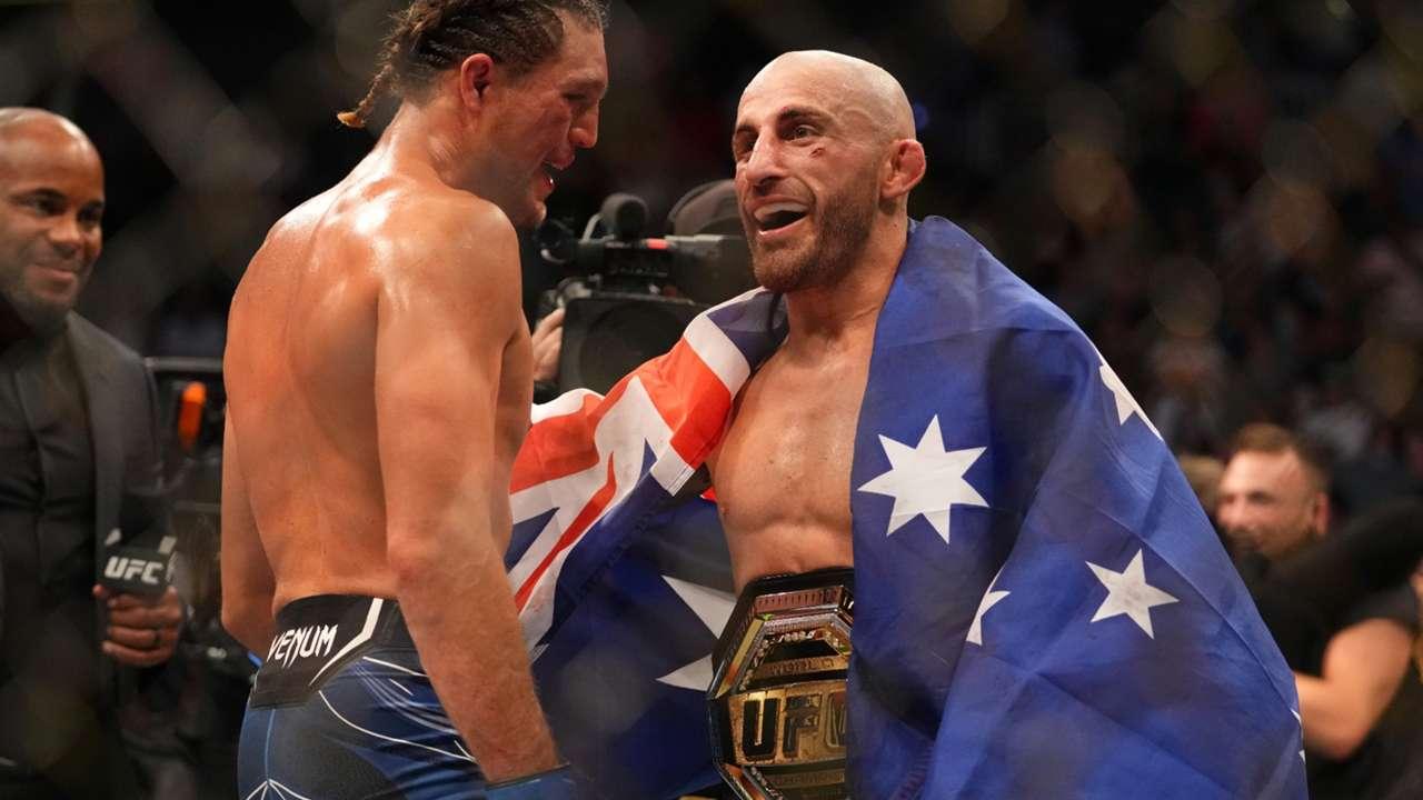Volkanovski-Ortega-UFC266-092521-Getty-FTR.jpg