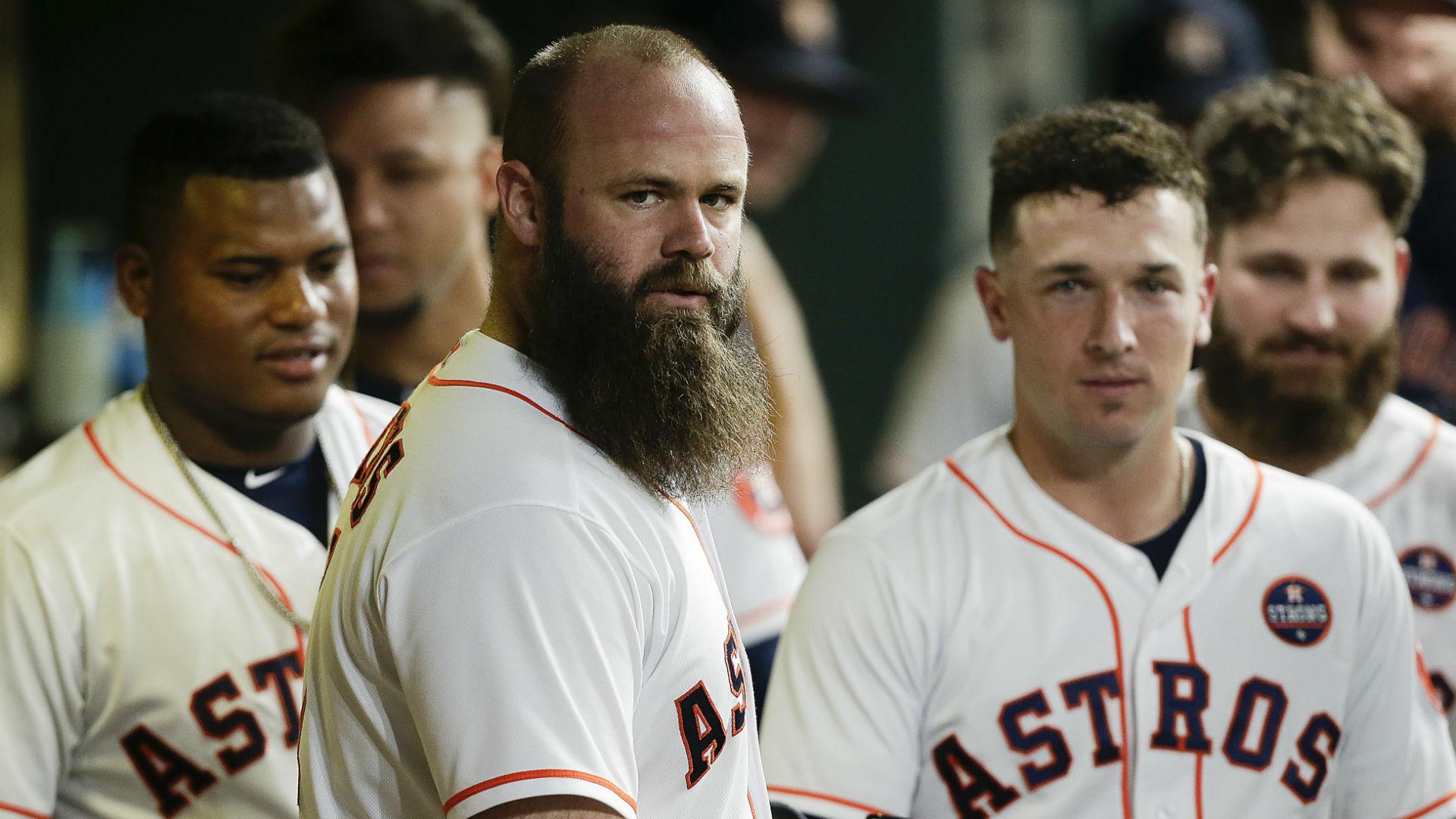 El ex toletero de los Astros, Evan Gattis, explica la compra del vidrio 'soplones consigue puntadas' con Mike Fiers 44