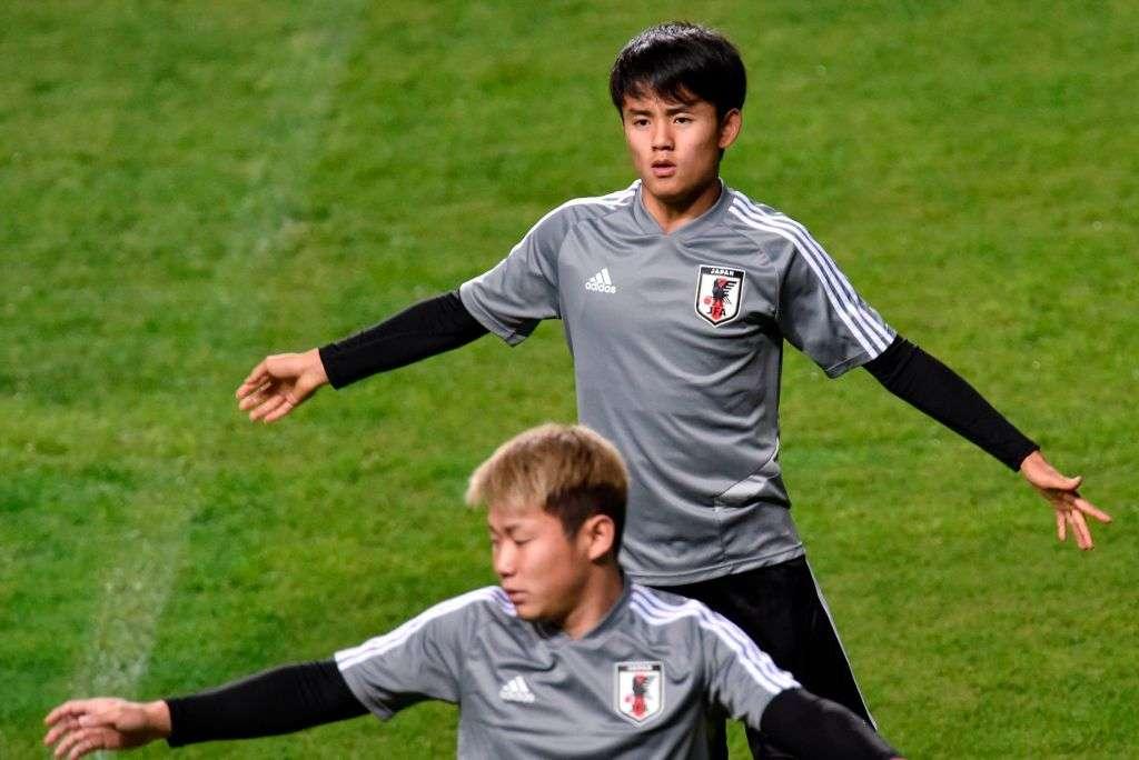 トレーニングするサッカー日本代表
