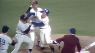 Yankees-Royals-Brawl77-MLB-FTR-052916.jpg