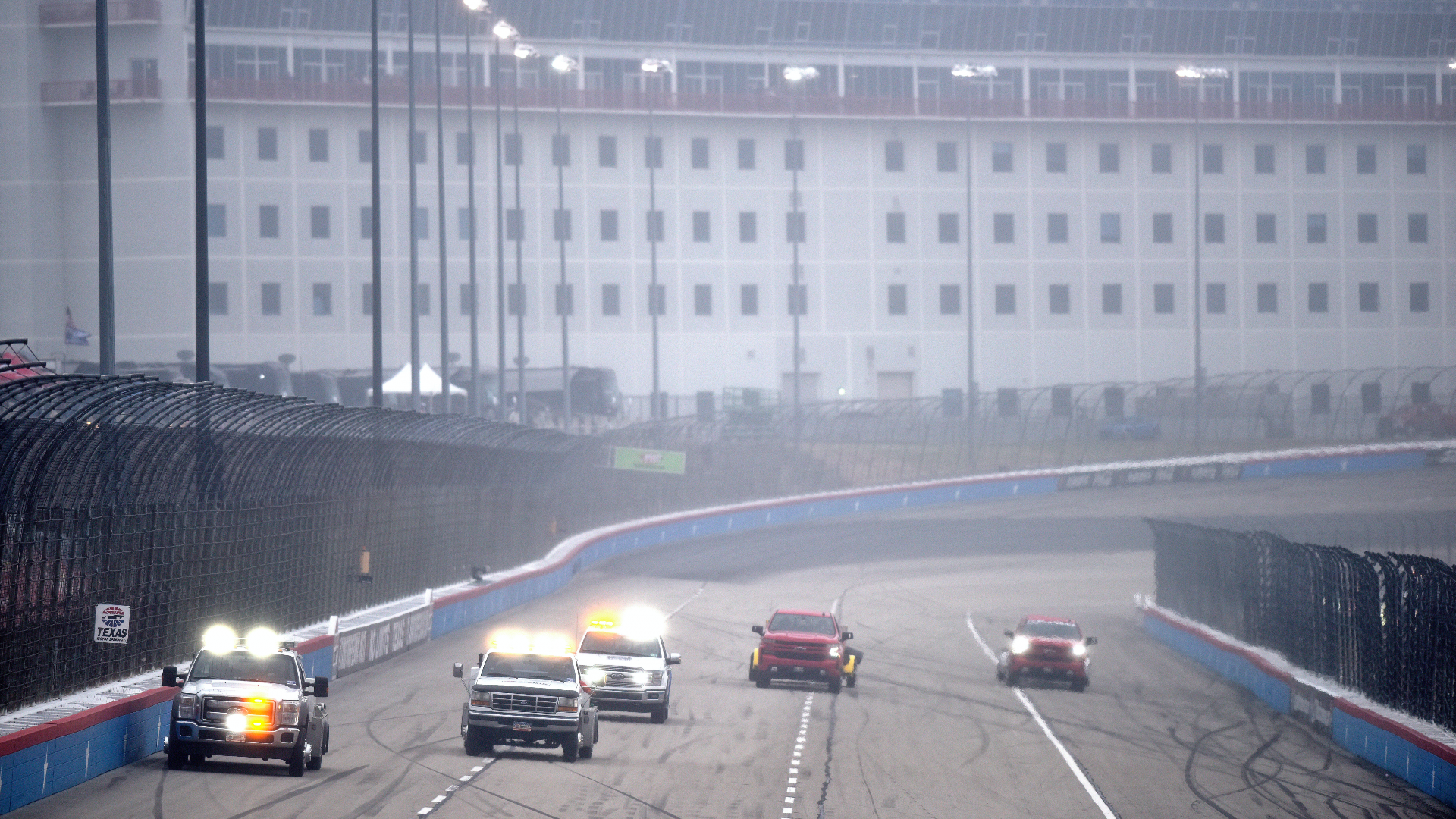 NASCAR at Texas rain delay updates: 2020 Cup Series playoff race pushed to Wednesday