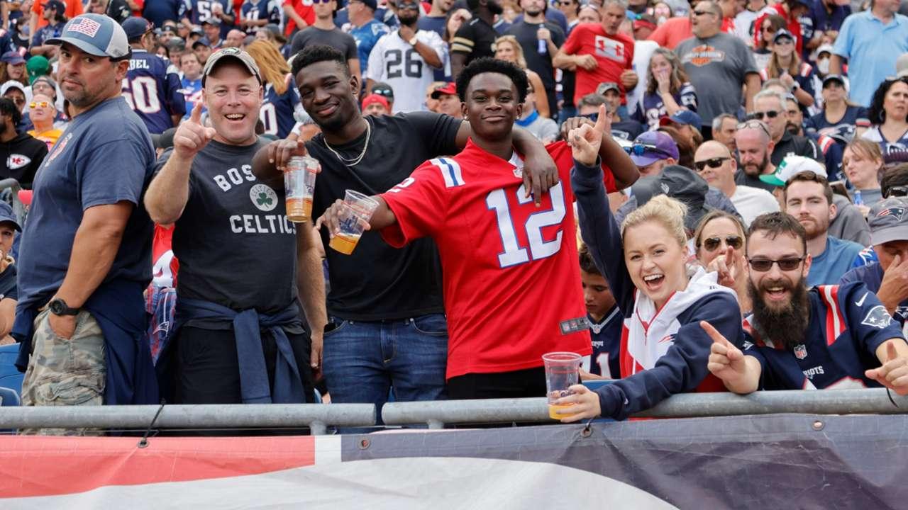 Patriots-Fans-getty-ftr-100321