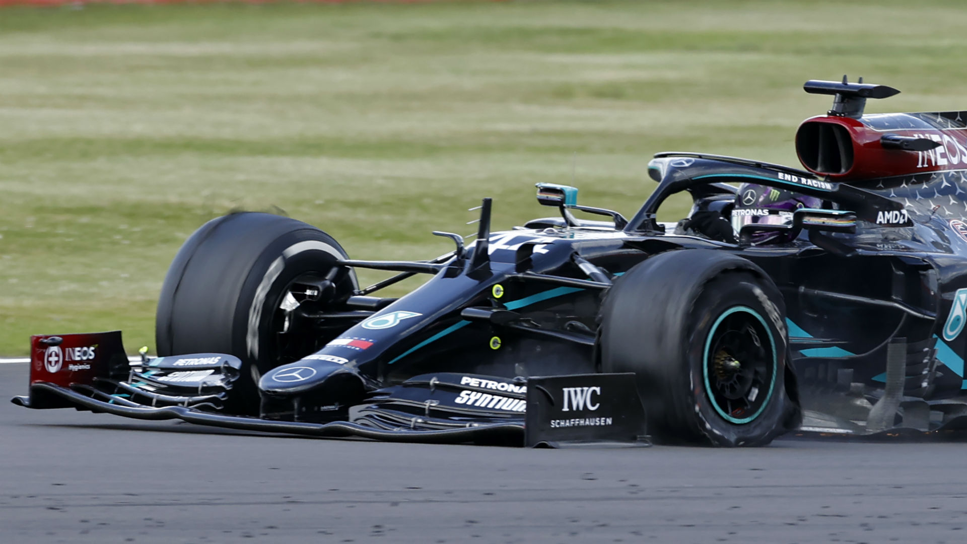 Formula 1 British Grand Prix results: Lewis Hamilton sets a record — with a flat tire