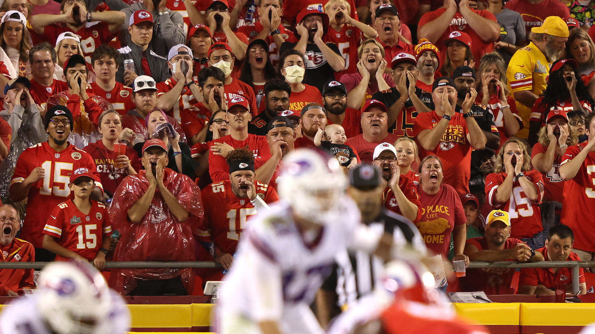 Chiefs vs. Bills climate replace: Severe climate delays 'Sunday Night Football' matchup thumbnail