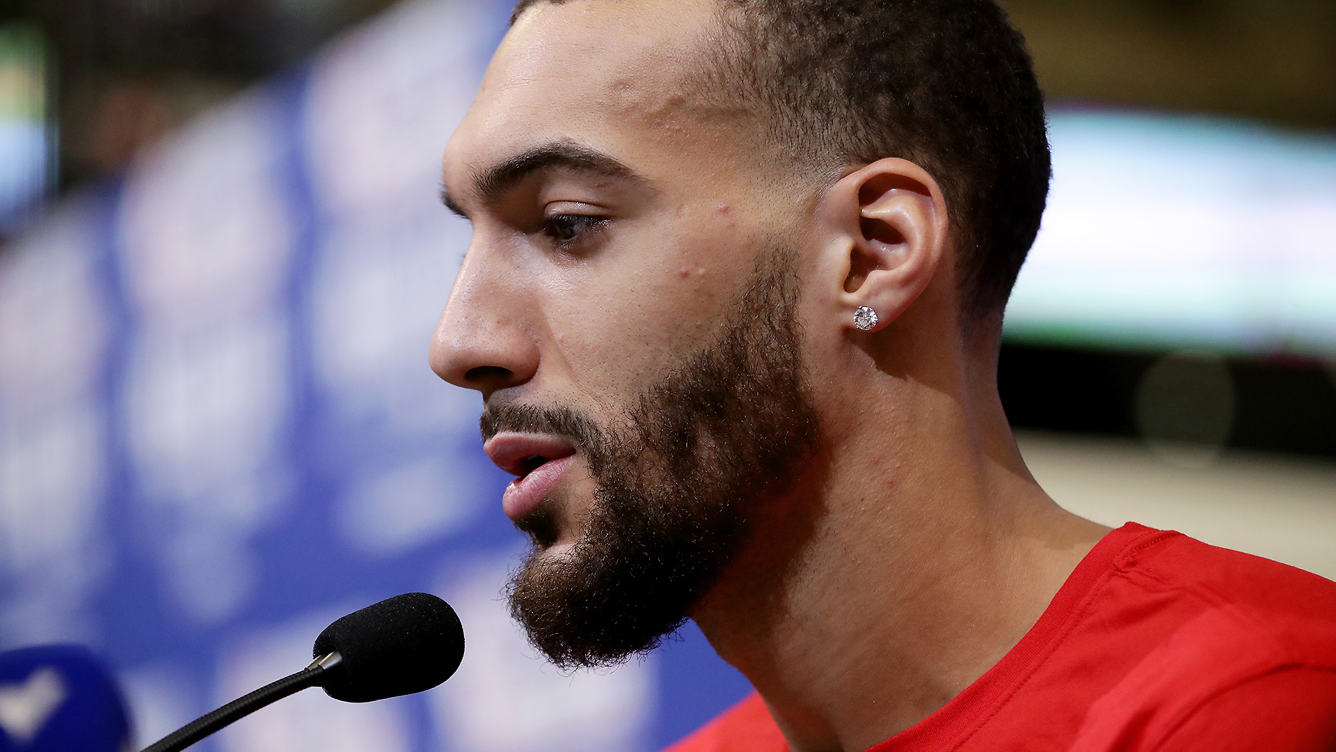 Rudy Gobert Gave Jazz Reporters Low Risk Exposure To Coronavirus When He Touched Their Microphones Sporting News