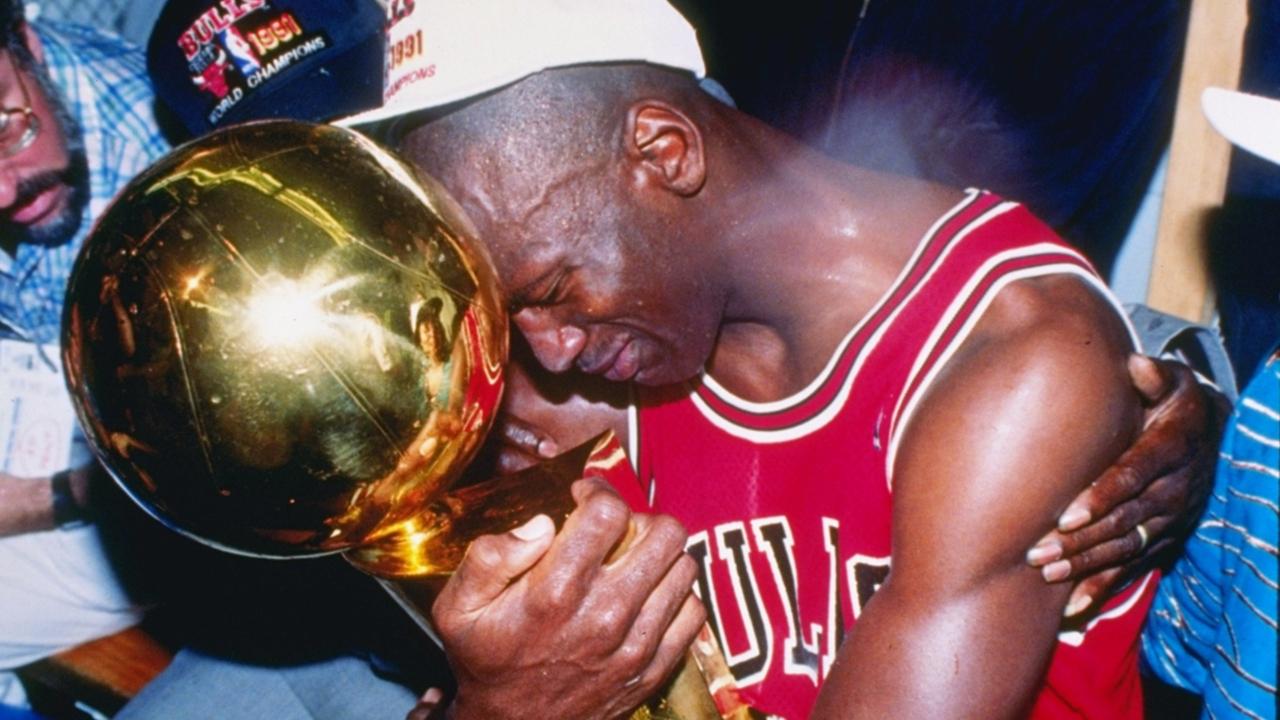 agitación Respeto a ti mismo Ánimo  Ranking Michael Jordan's 15 most iconic basketball moments | Sporting News