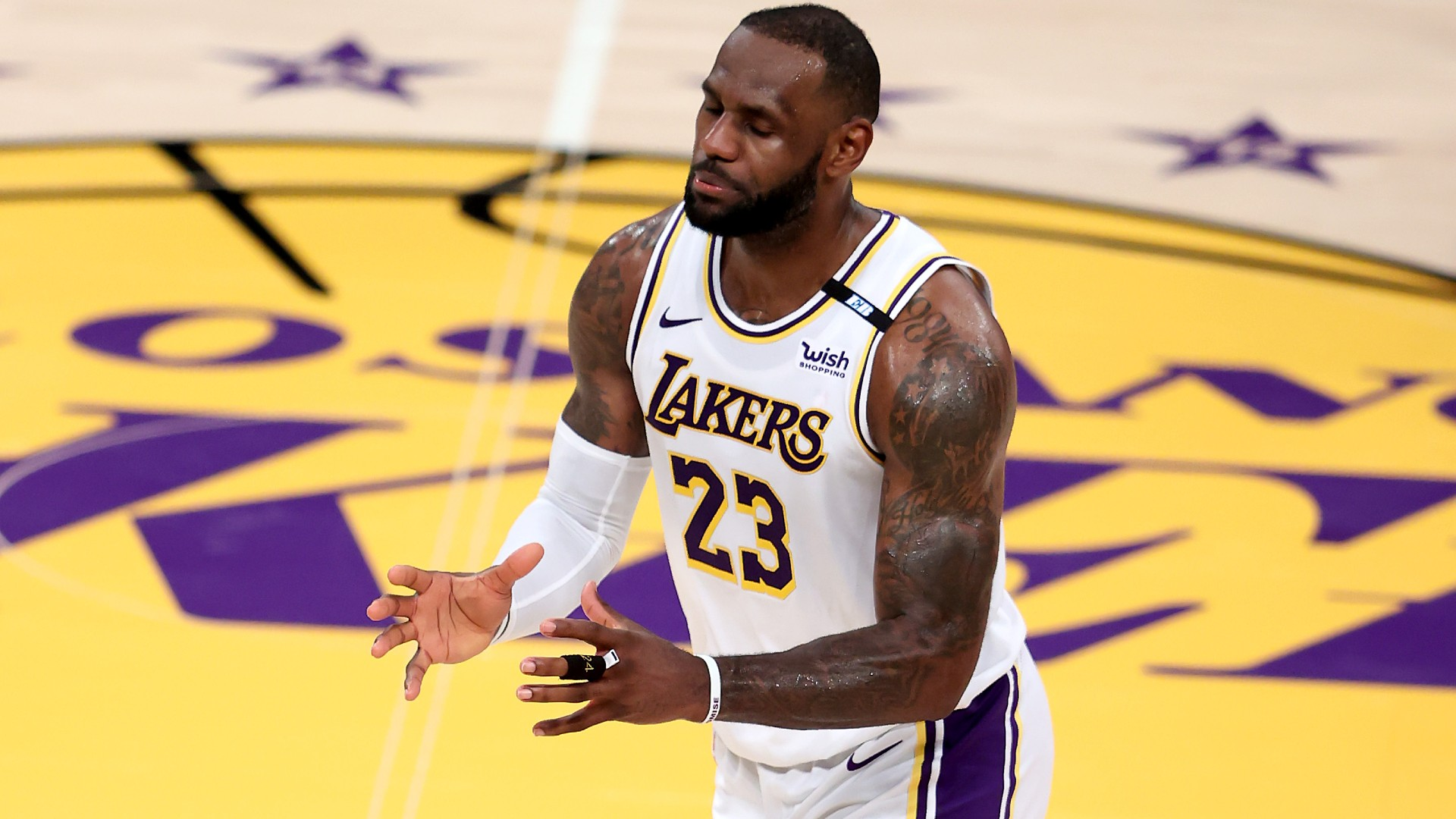 LeBron James recounts Jerry Jones' provide to affix Cowboys, offers soccer scouting report of himself
