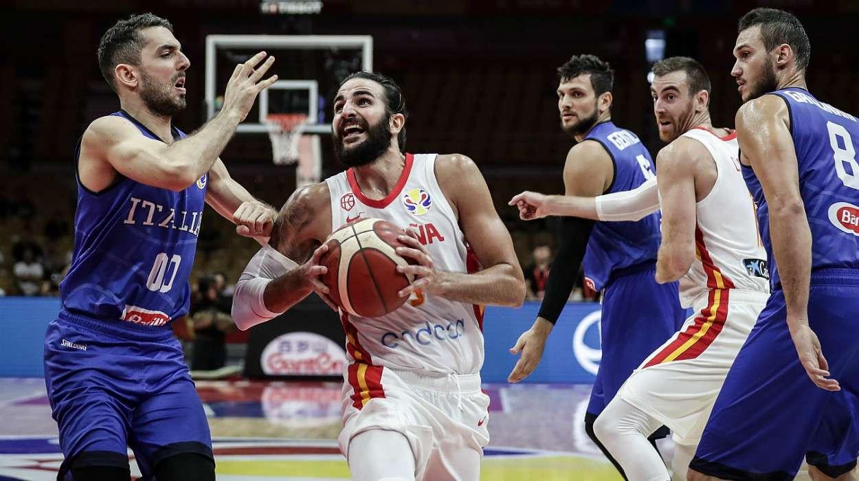 Ricky Rubio Spain against Italy