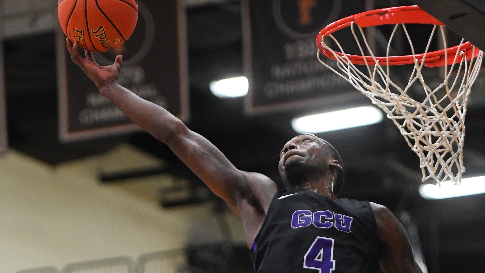 Oscar Frayer of Grand Canyon died in a car accident three days after playing in the NCAA Championship