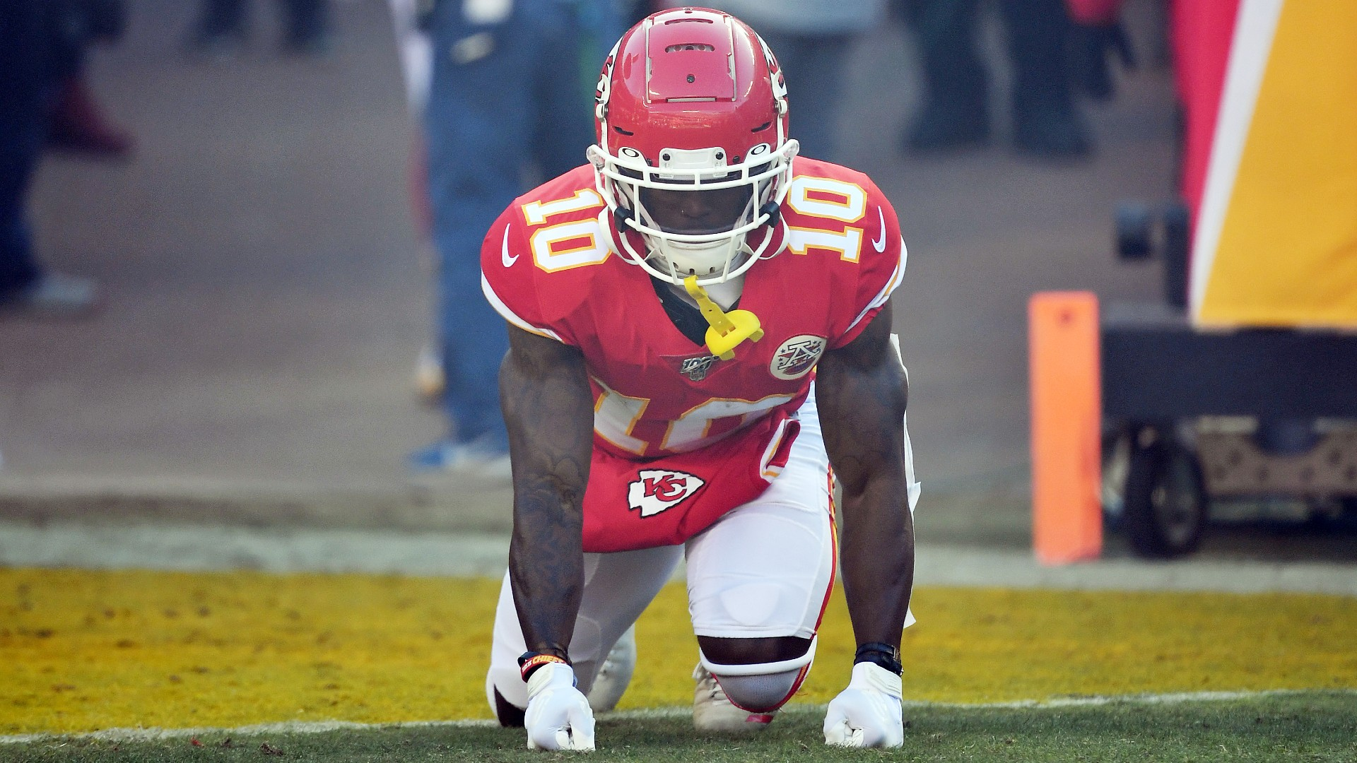 Chiefs' Tyreek Hill says he shoved coach Greg Lewis 'to give the guys energy'