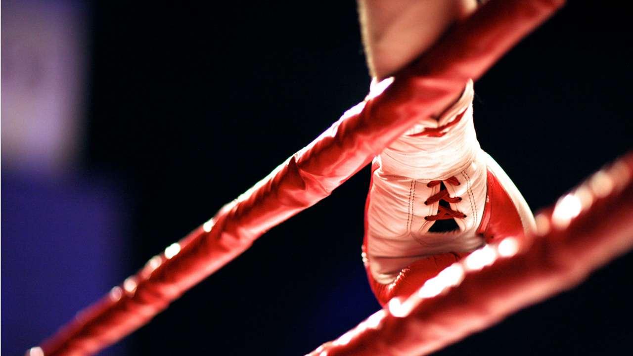 boxing-glove-shutterstock-ftr