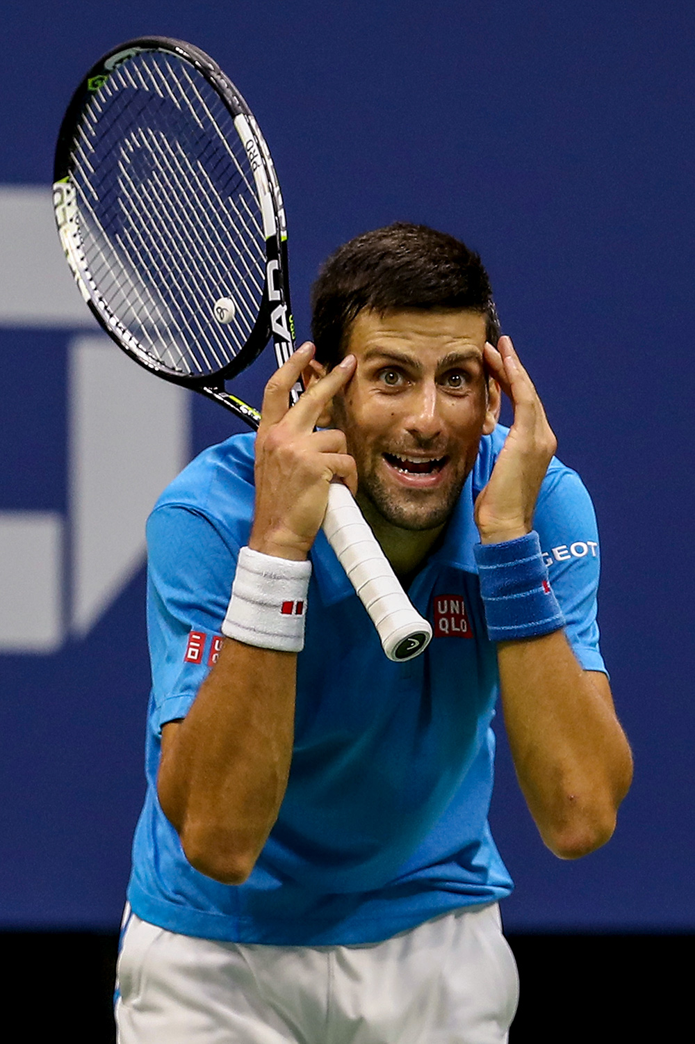 Novak Djokovic defaulted from US Open after hitting line judge in throat 1