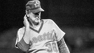 MLB UNIFORMS Gaylord-Perry-011216-AP-FTR.jpg