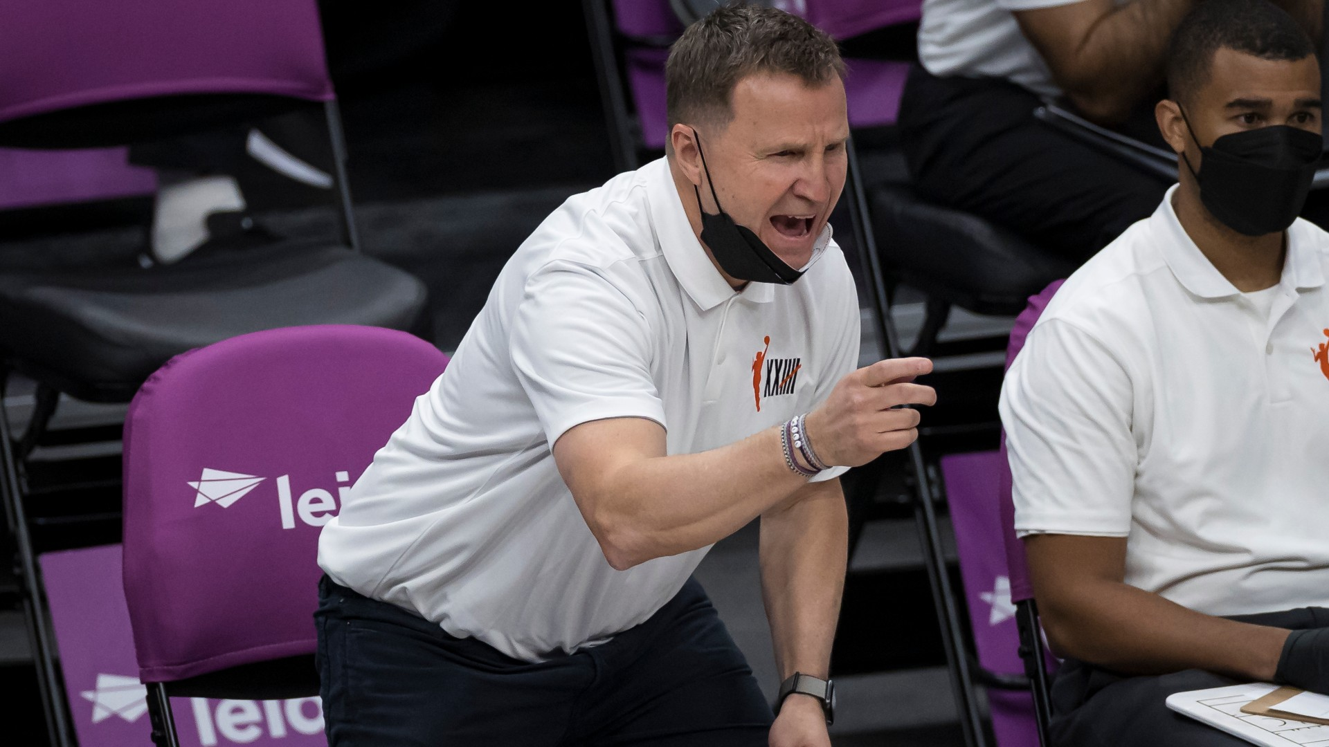 Wizards' Scott Brooks pokes fun at LeBron James with play-in tournament comments