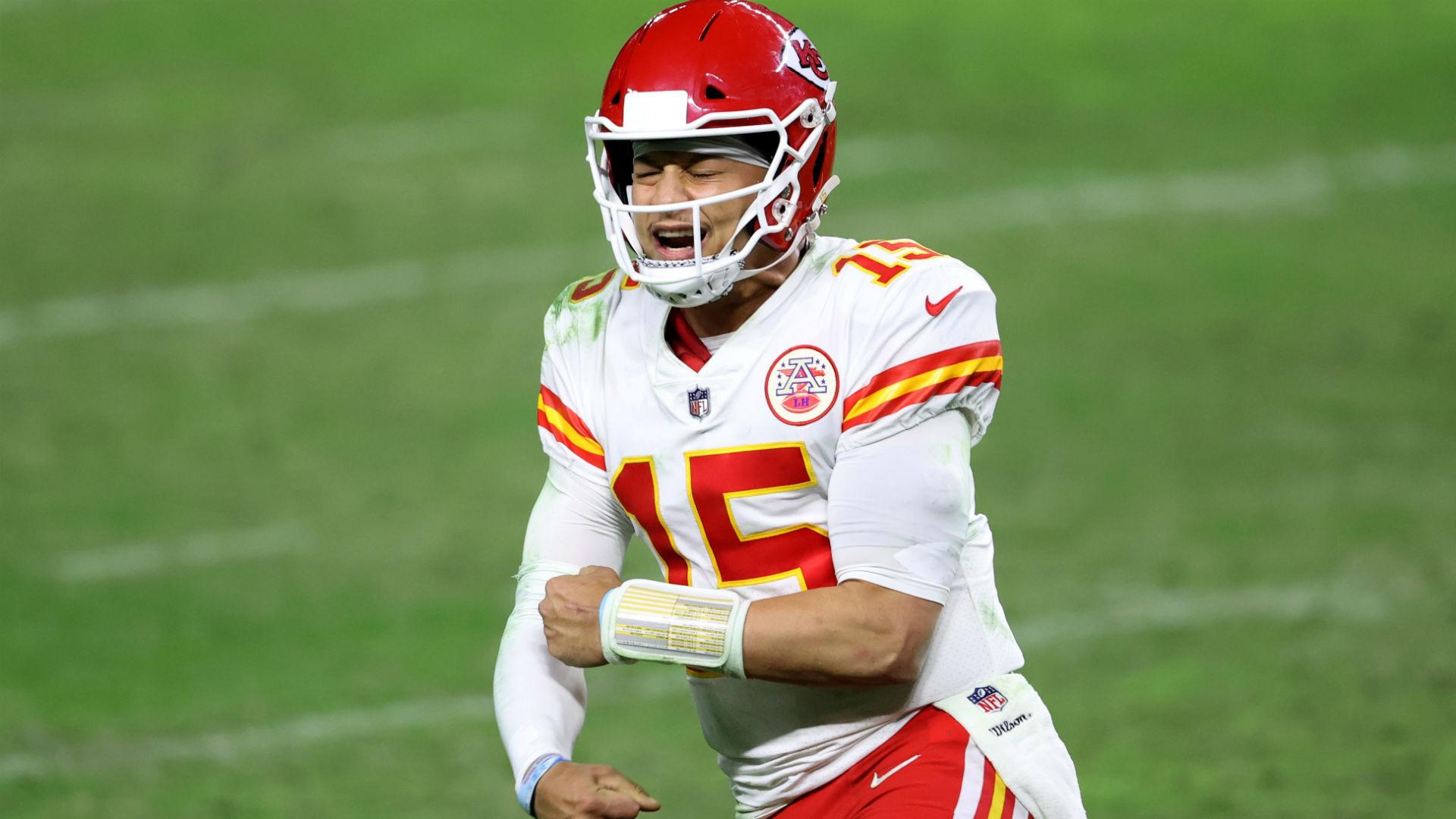 NFL picks, predictions against spread Week 12: Chiefs edge Bucs; Eagles stun Seahawks; Raiders rebound 1