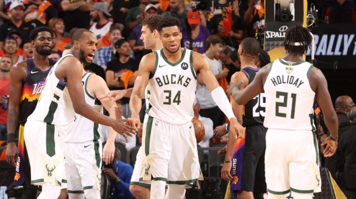 Giannis Antetokounmpo Khris Middleton Milwaukee Bucks Jrue Holiday