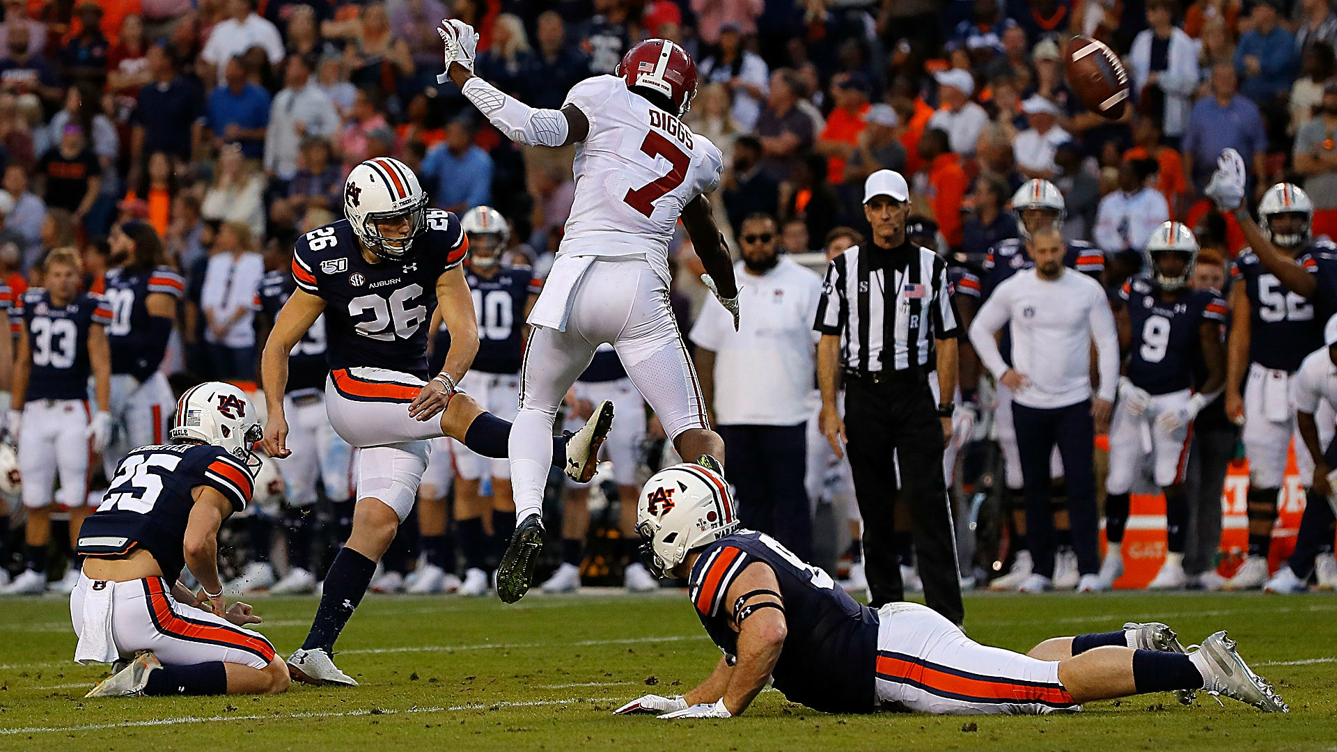Auburn's last-second field goal vs. Alabama makes difference in Iron Bowl win